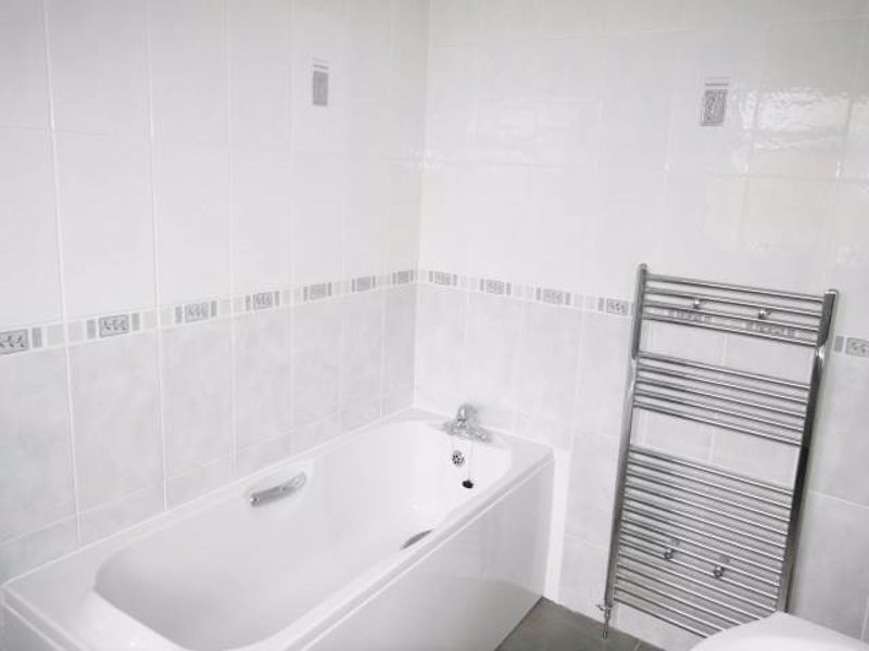3 bed house to rent in Lavington Grange  - Property Image 7