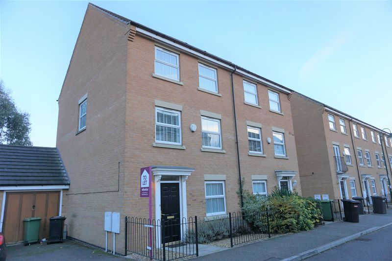 4 bed  to rent in Buckthorn Road 1