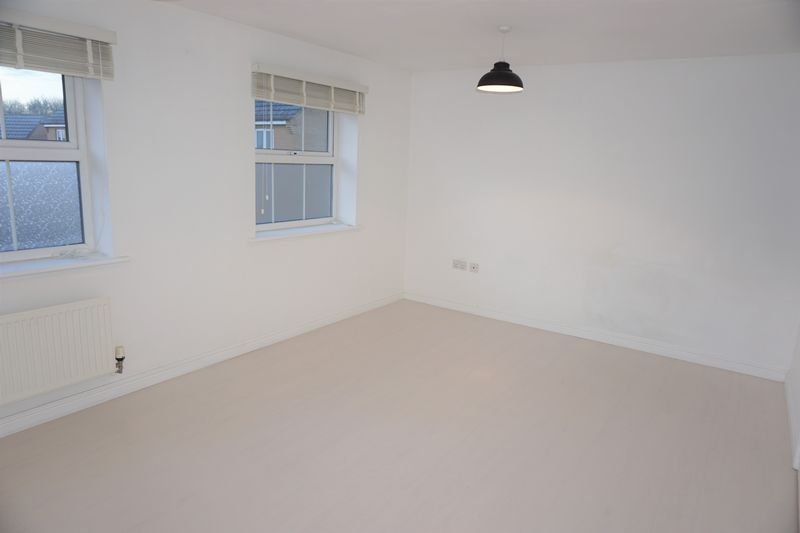 4 bed  to rent in Buckthorn Road  - Property Image 11