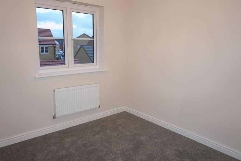 4 bed  to rent in Shipton Grove 6