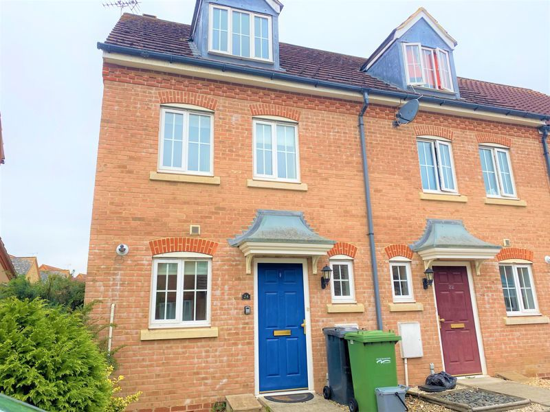3 bed house to rent in Thorn Road, PE7