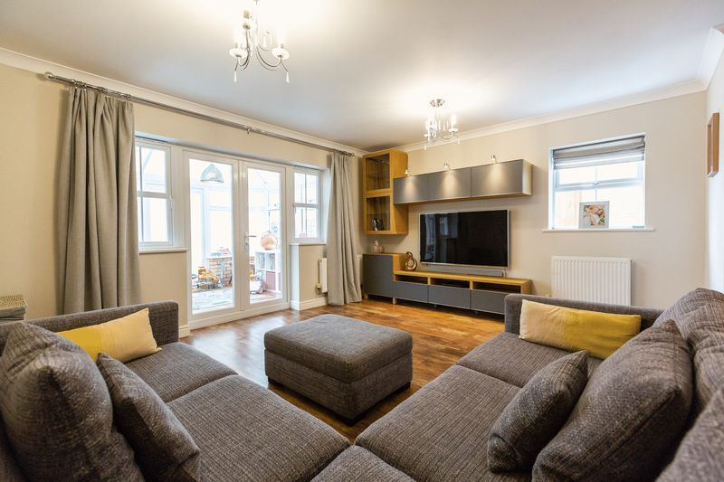 4 bed house for sale in Shackleton Way