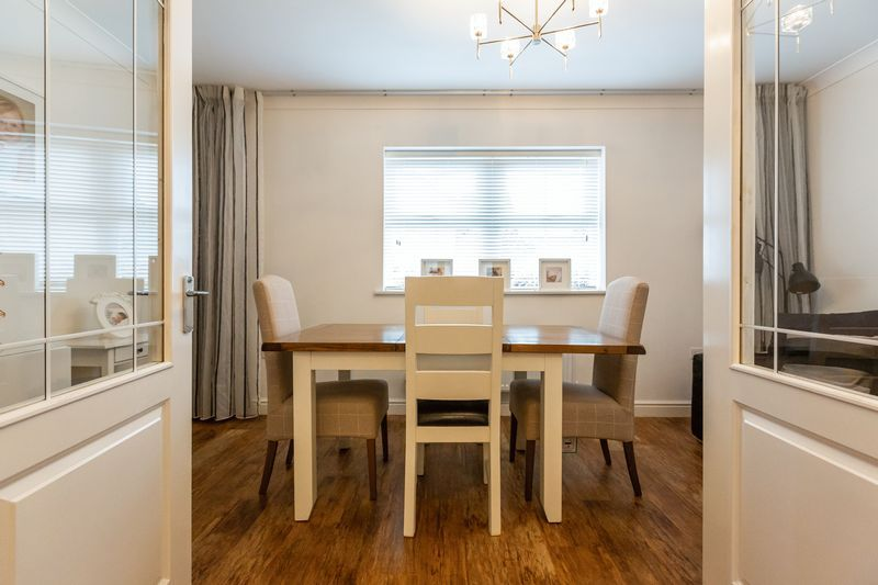 4 bed house for sale in Shackleton Way  - Property Image 6