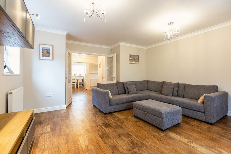 4 bed house for sale in Shackleton Way  - Property Image 7