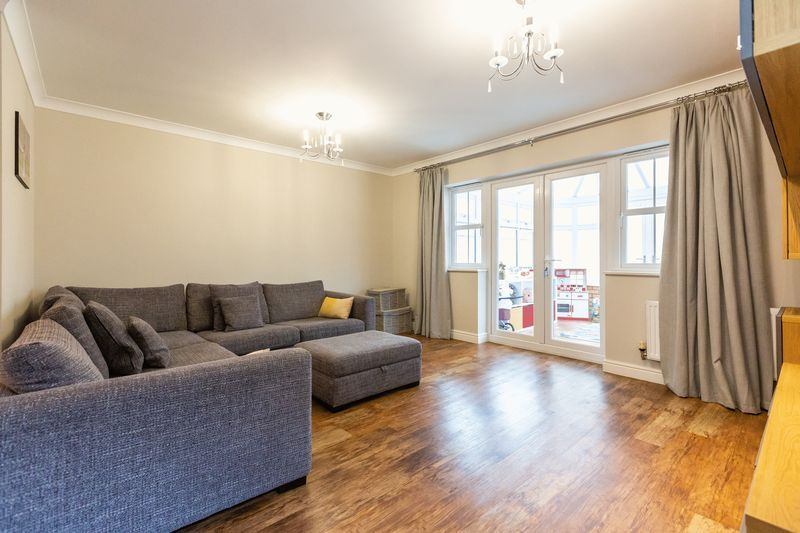 4 bed house for sale in Shackleton Way  - Property Image 9
