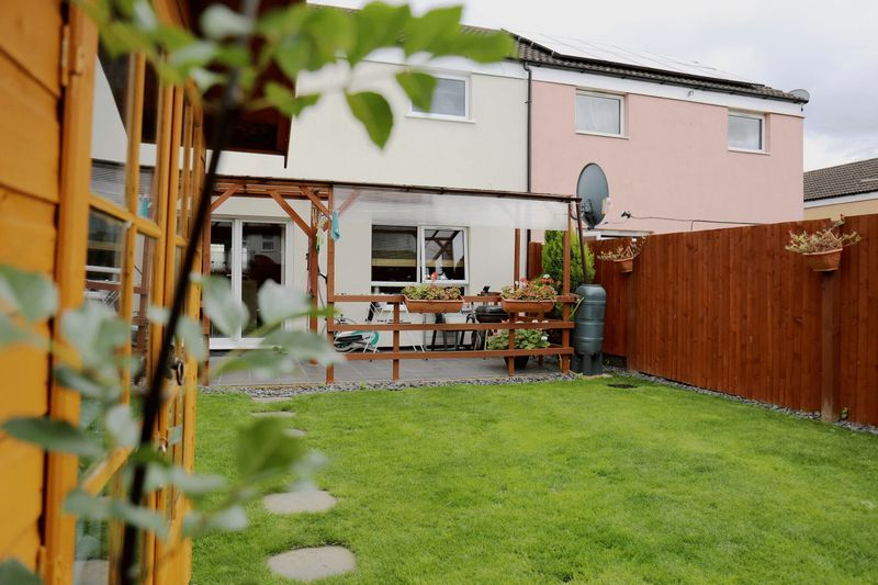3 bed house to rent in Crabtree 13