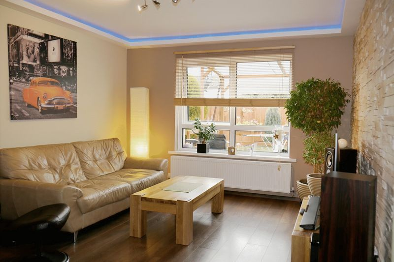3 bed house to rent in Crabtree  - Property Image 5