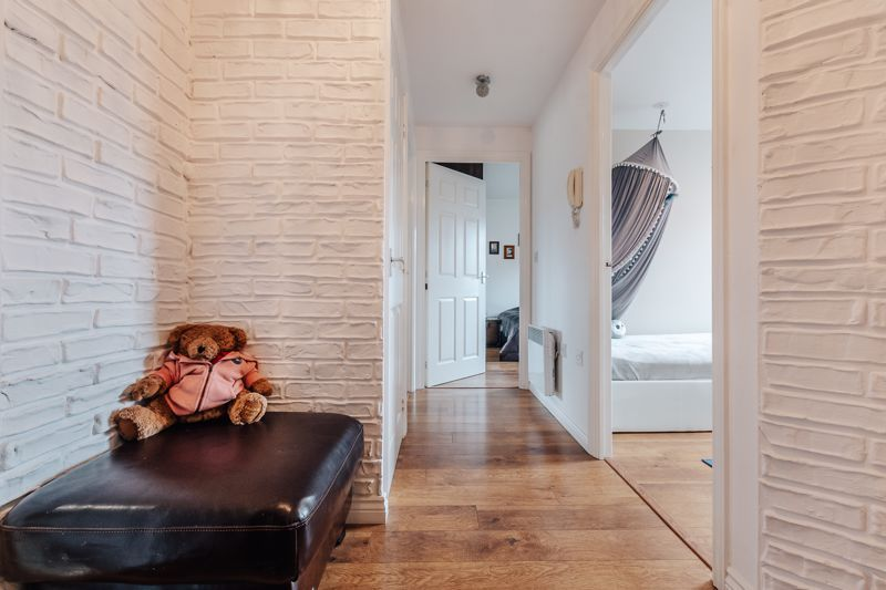 2 bed flat for sale in St Edmunds Walk 3