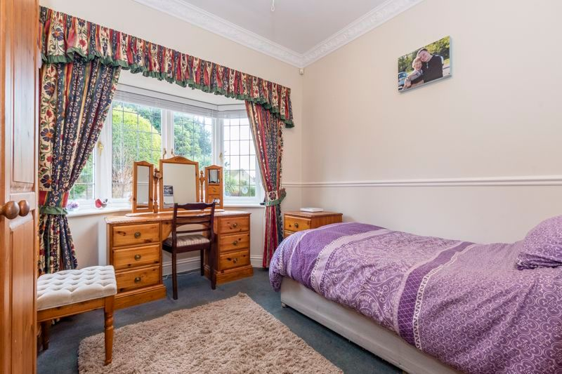 5 bed house for sale in Manor View 11