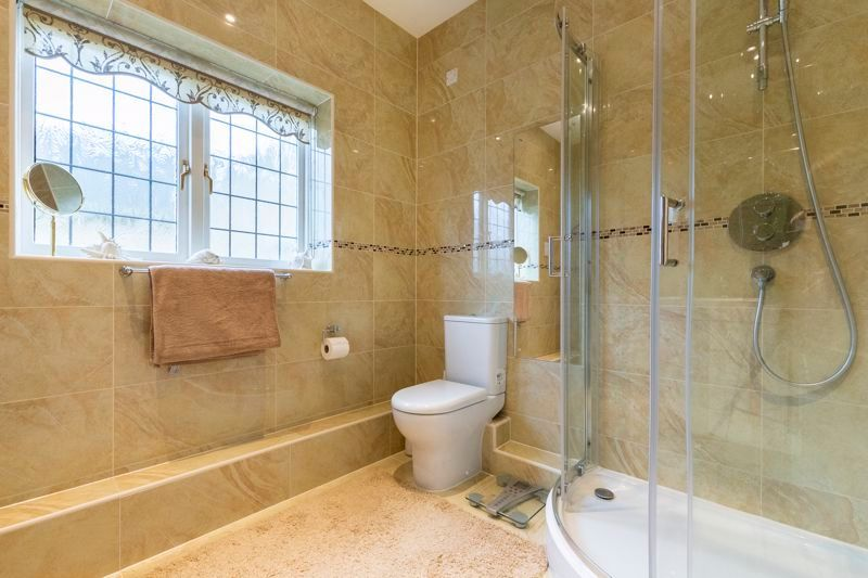 5 bed house for sale in Manor View 17