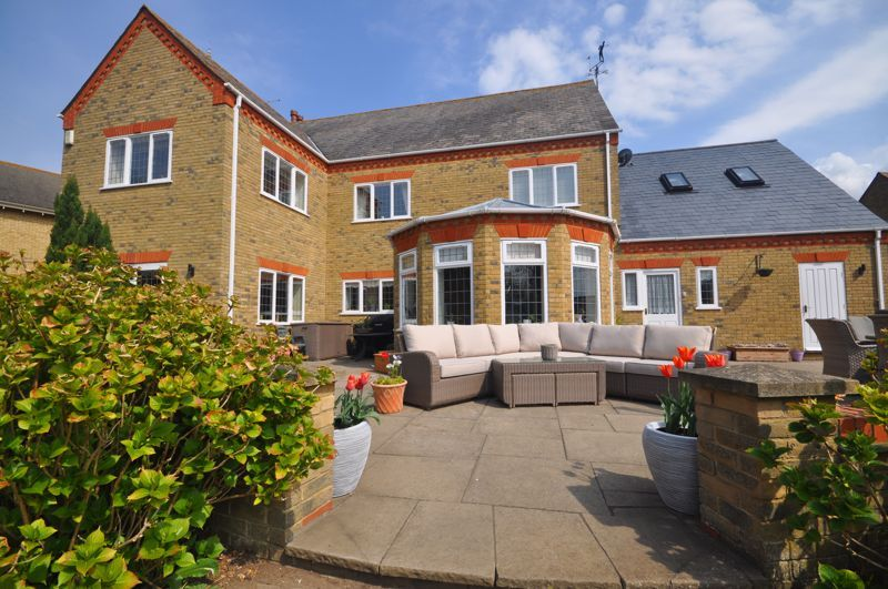 5 bed house for sale in Manor View 22