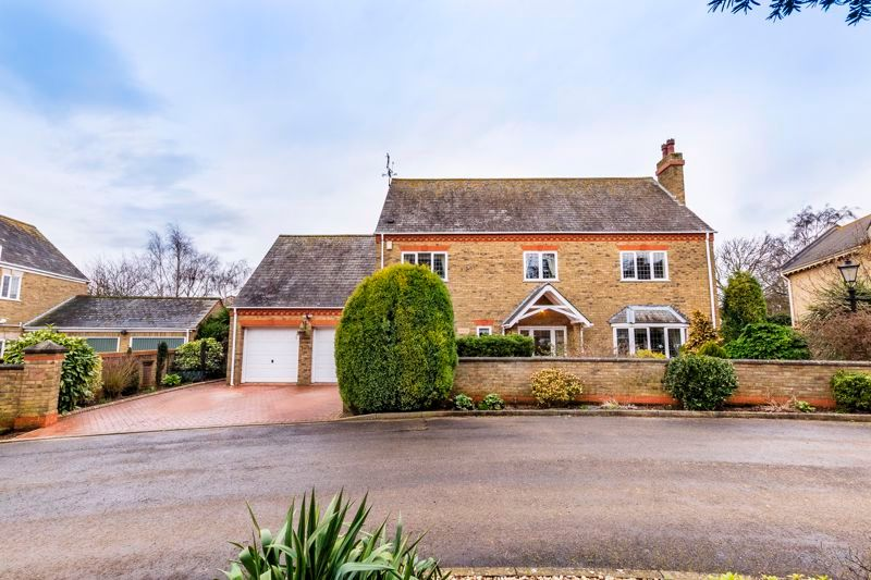 5 bed house for sale in Manor View  - Property Image 24