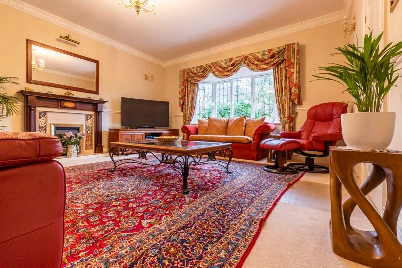5 bed house for sale in Manor View 5