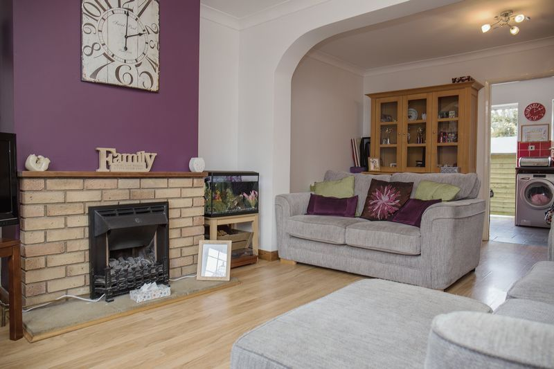 2 bed house for sale in Montagu Road 1