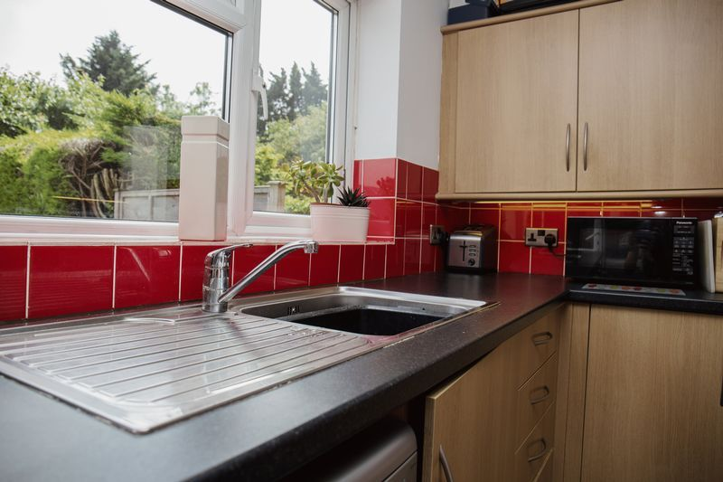2 bed house for sale in Montagu Road  - Property Image 4