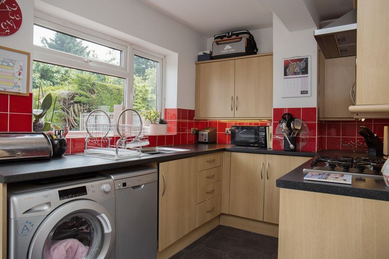 2 bed house for sale in Montagu Road 5