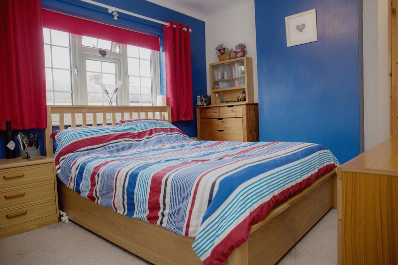 2 bed house for sale in Montagu Road  - Property Image 6