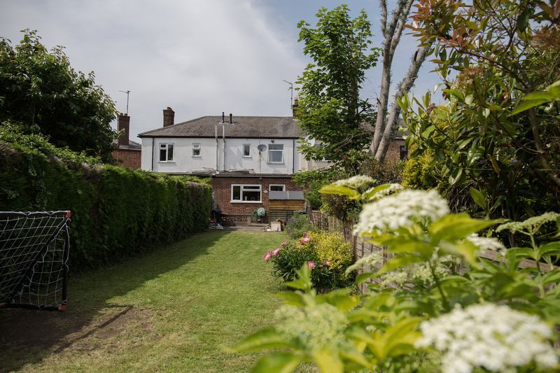 2 bed house for sale in Montagu Road 9