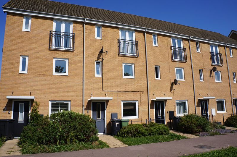 4 bed house to rent in St. Edmunds Walk 1