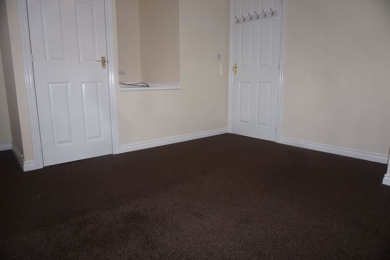 4 bed house to rent in St. Edmunds Walk 12