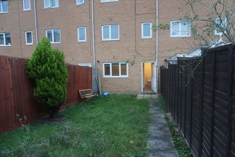 4 bed house to rent in St. Edmunds Walk 14