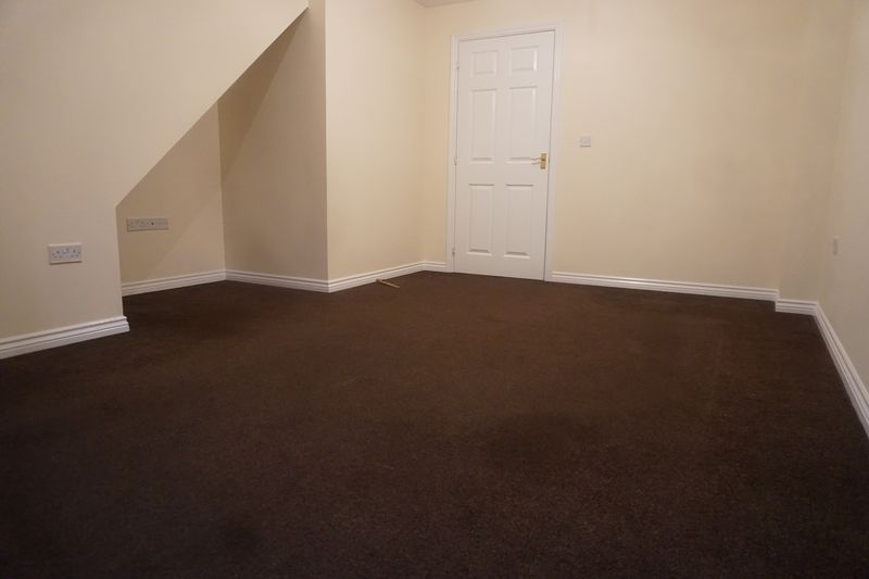 4 bed house to rent in St. Edmunds Walk 3