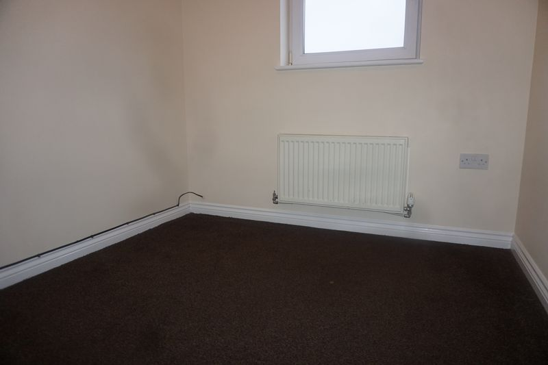 4 bed house to rent in St. Edmunds Walk 5