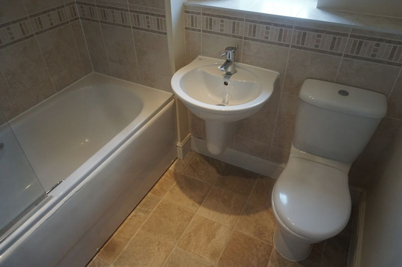 4 bed house to rent in St. Edmunds Walk 7