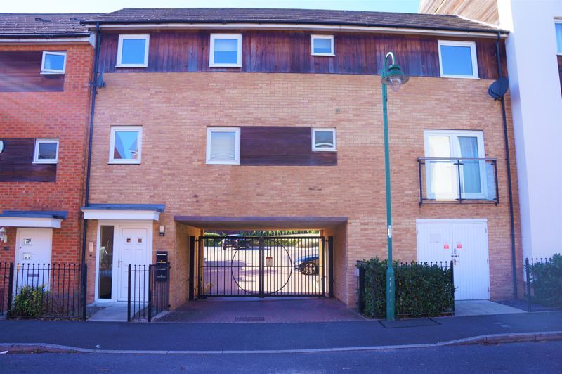 1 bed flat to rent in Brickstead Road 1