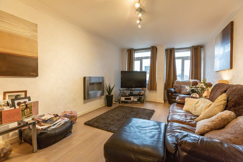 2 bed flat for sale in Stanwick Court