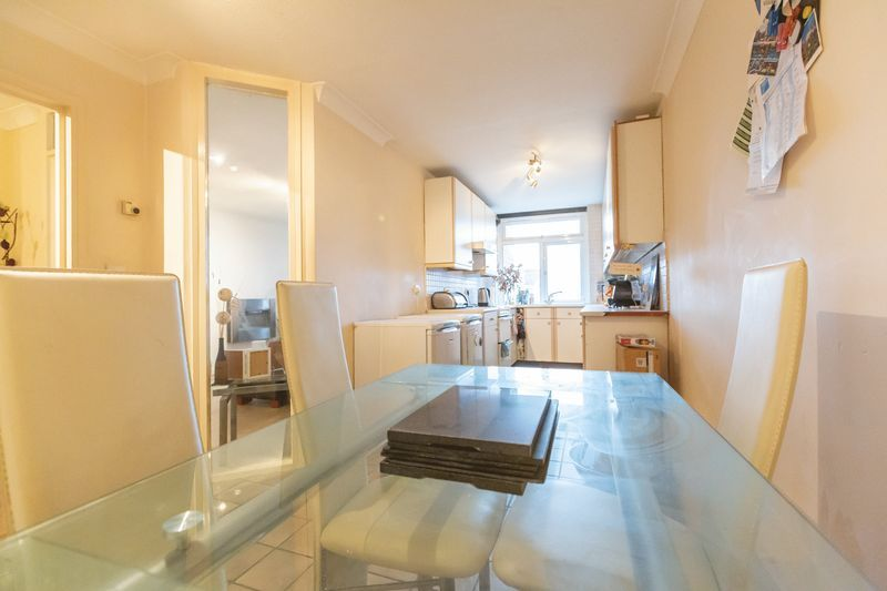 2 bed flat for sale in Stanwick Court 2
