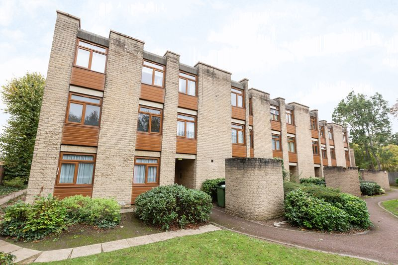 2 bed flat for sale in Stanwick Court  - Property Image 4