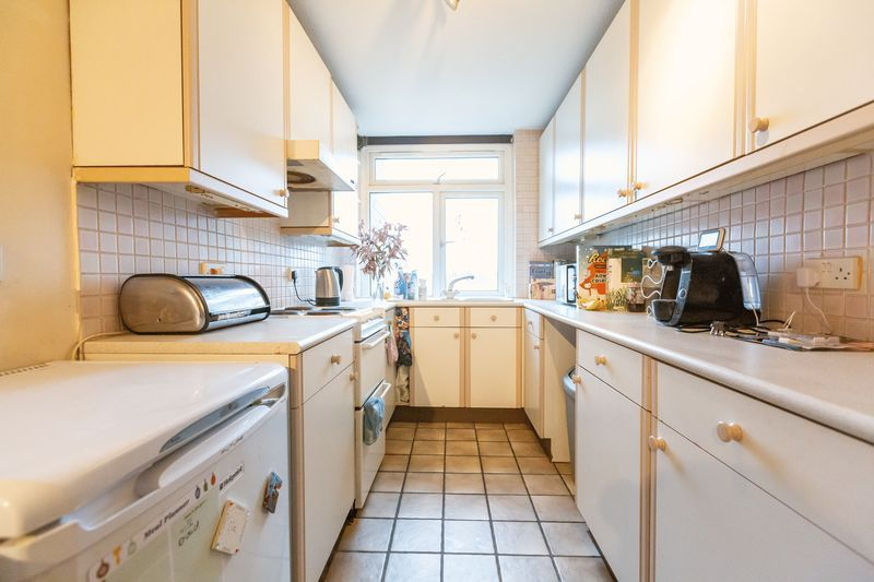 2 bed flat for sale in Stanwick Court  - Property Image 6