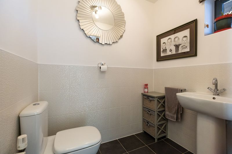 4 bed house for sale in Winsor Crescent 12