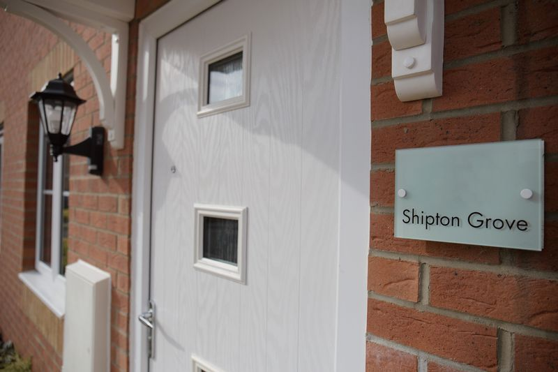 2 bed house to rent in Shipton Grove 3