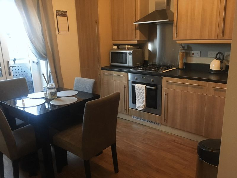 2 bed flat to rent in Spring Avenue 2