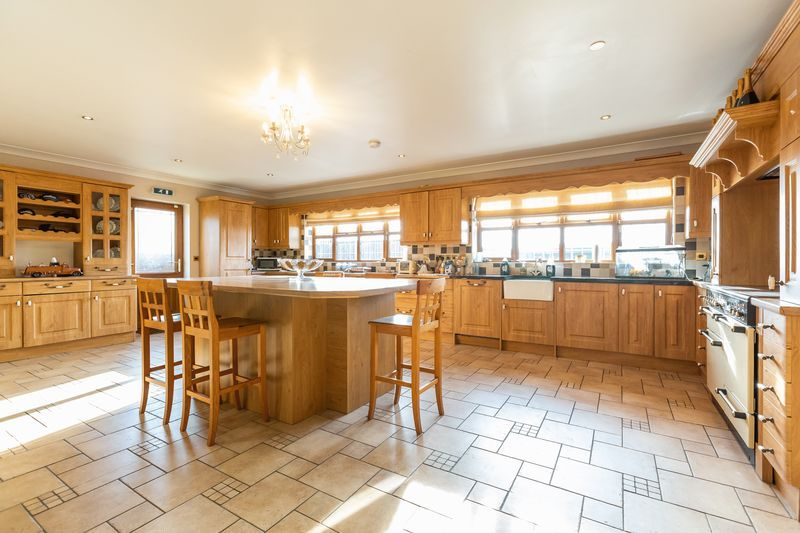 4 bed house for sale in Crowland Road  - Property Image 2