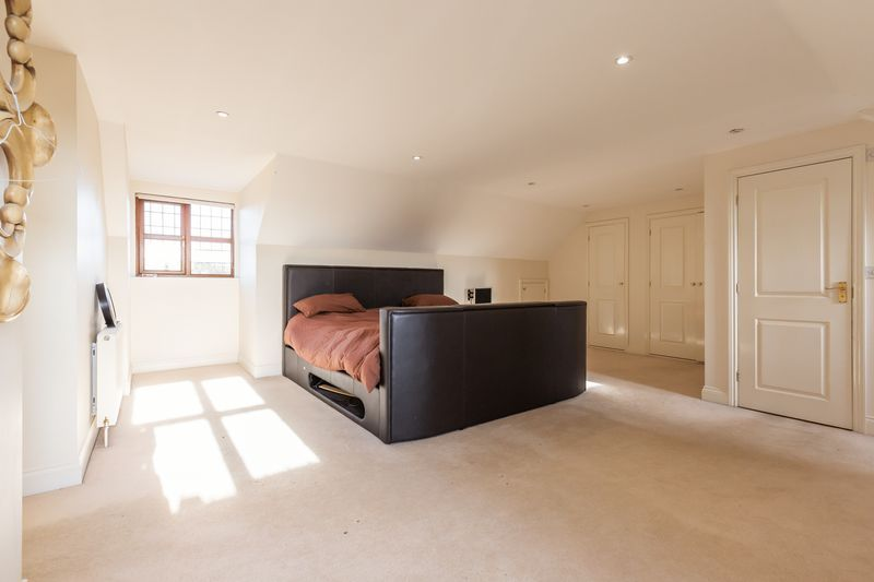 4 bed house for sale in Crowland Road  - Property Image 18
