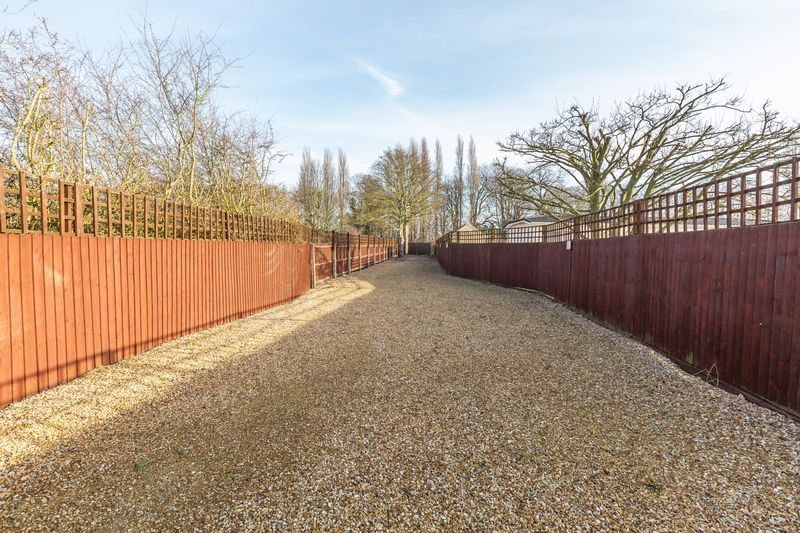 4 bed house for sale in Crowland Road 3