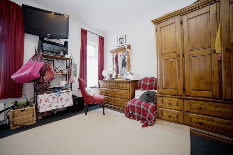 2 bed house for sale in West End 11