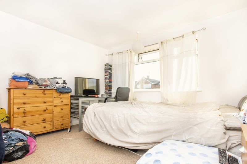 3 bed house for sale in Highfield Walk 6