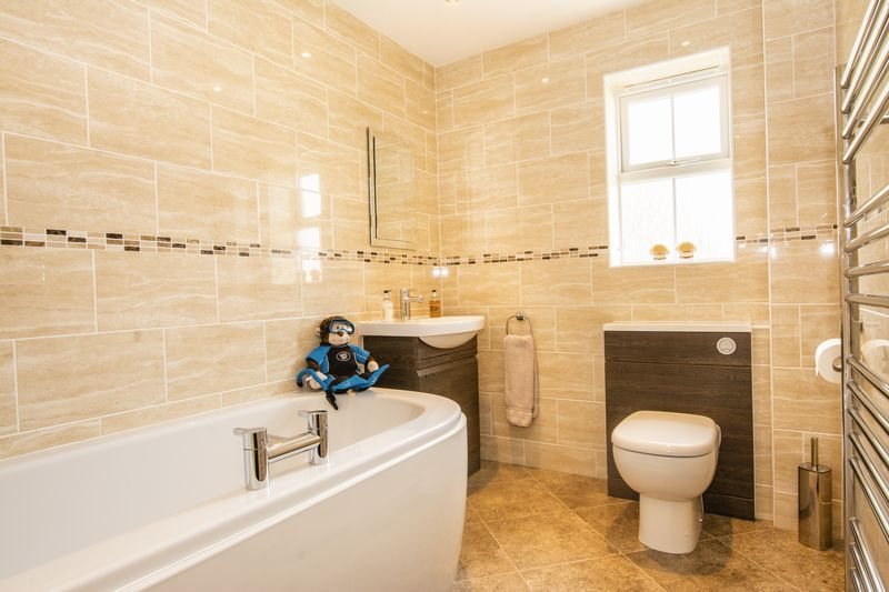 6 bed house for sale in Shackleton Way  - Property Image 14
