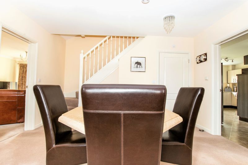 6 bed house for sale in Shackleton Way 8