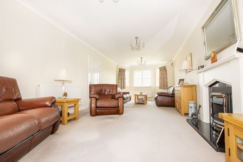 6 bed house for sale in Shackleton Way  - Property Image 10