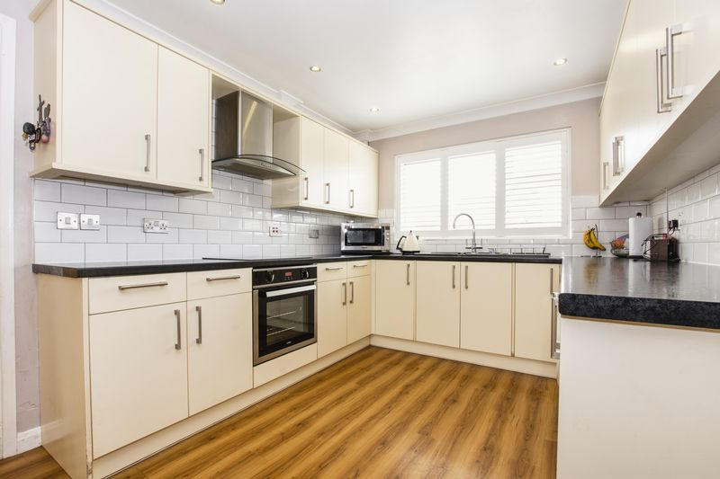 4 bed house for sale in Beauvoir Place 1