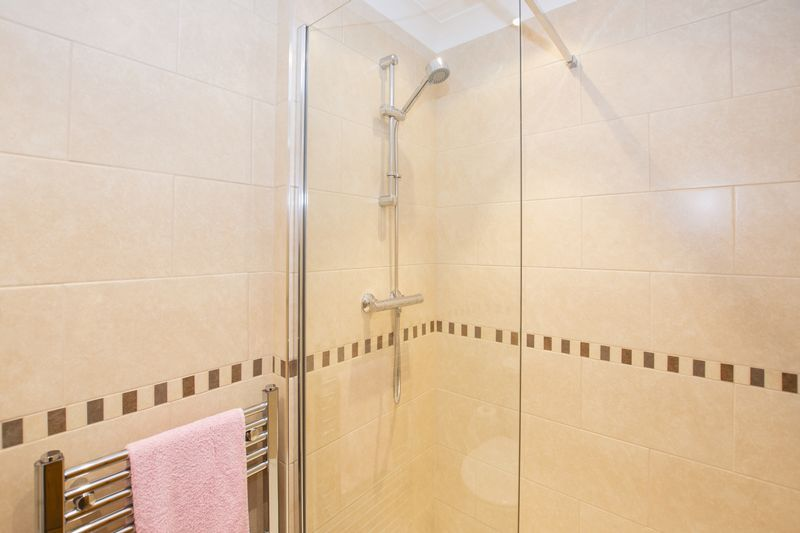 4 bed house for sale in Beauvoir Place  - Property Image 14