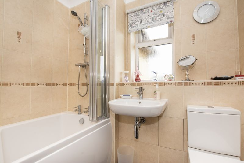 4 bed house for sale in Beauvoir Place 17