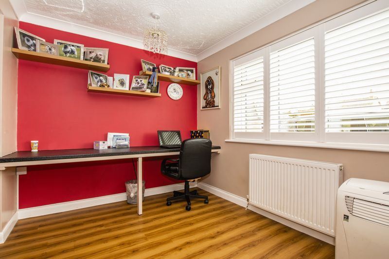 4 bed house for sale in Beauvoir Place 8