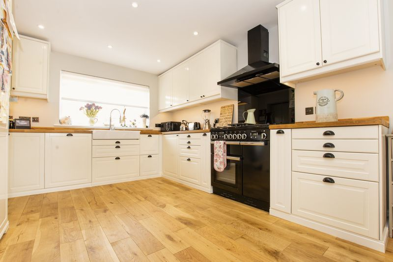 6 bed house for sale in Ferndale  - Property Image 4