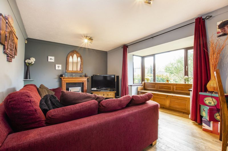 3 bed house for sale in Rothwell Way 5